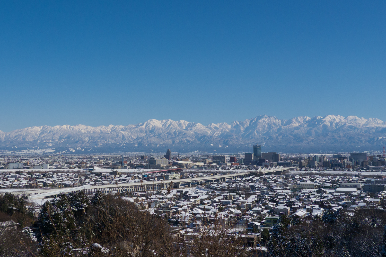 富山市街も一望